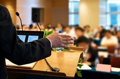 お客様が開催するブレインストーミングに、経験豊かなメンバーを送り込む日本で初めてのサービスです。